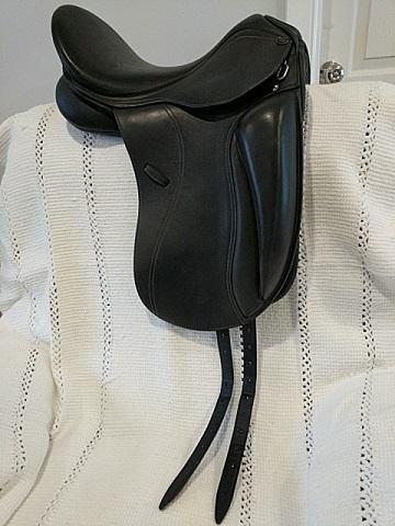 """Pessoa PDS Aldea dressage saddle 17"""""""