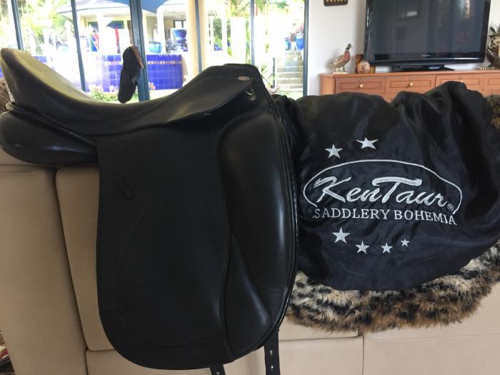 Kentaur Elektra 17 1/2 inch dressage/show saddle