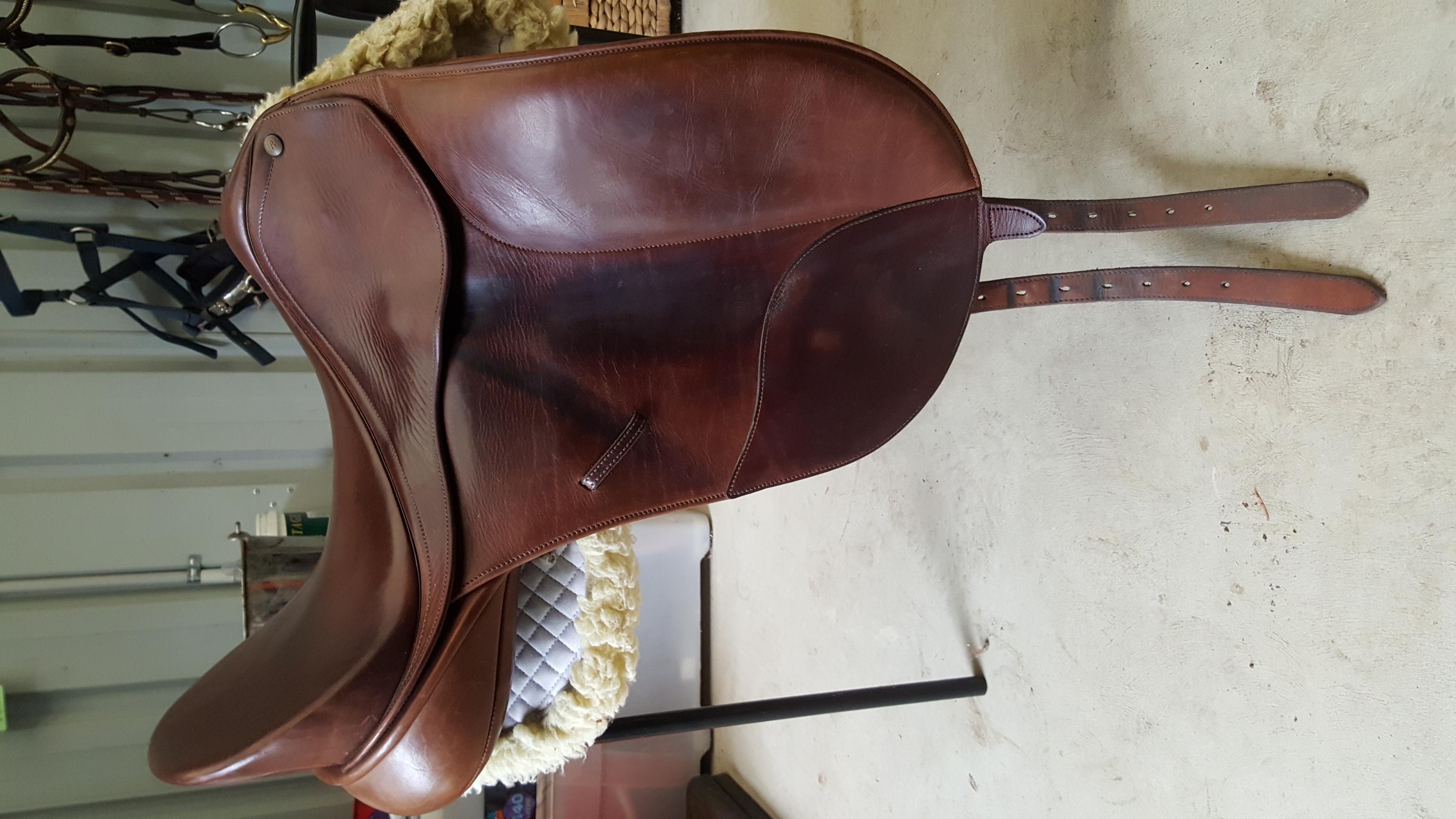 Bates Isabell Dressage Saddle