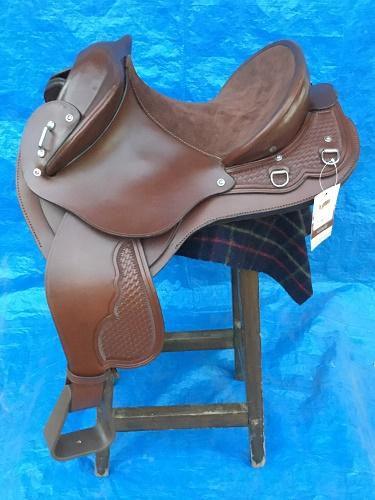 TOOWOOMBA SADDLERY TANAMI YOUTHS FENDER 14""