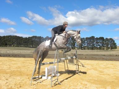 Sam Lyle jumping Aussie