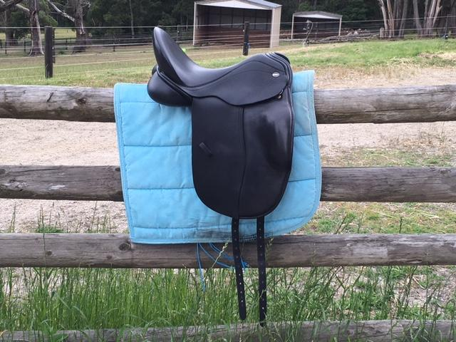 Defiance Johanna Saddle - 16""