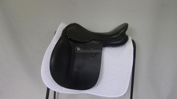 """Trainers Masters 17.5"""" All Purpose Saddle"""