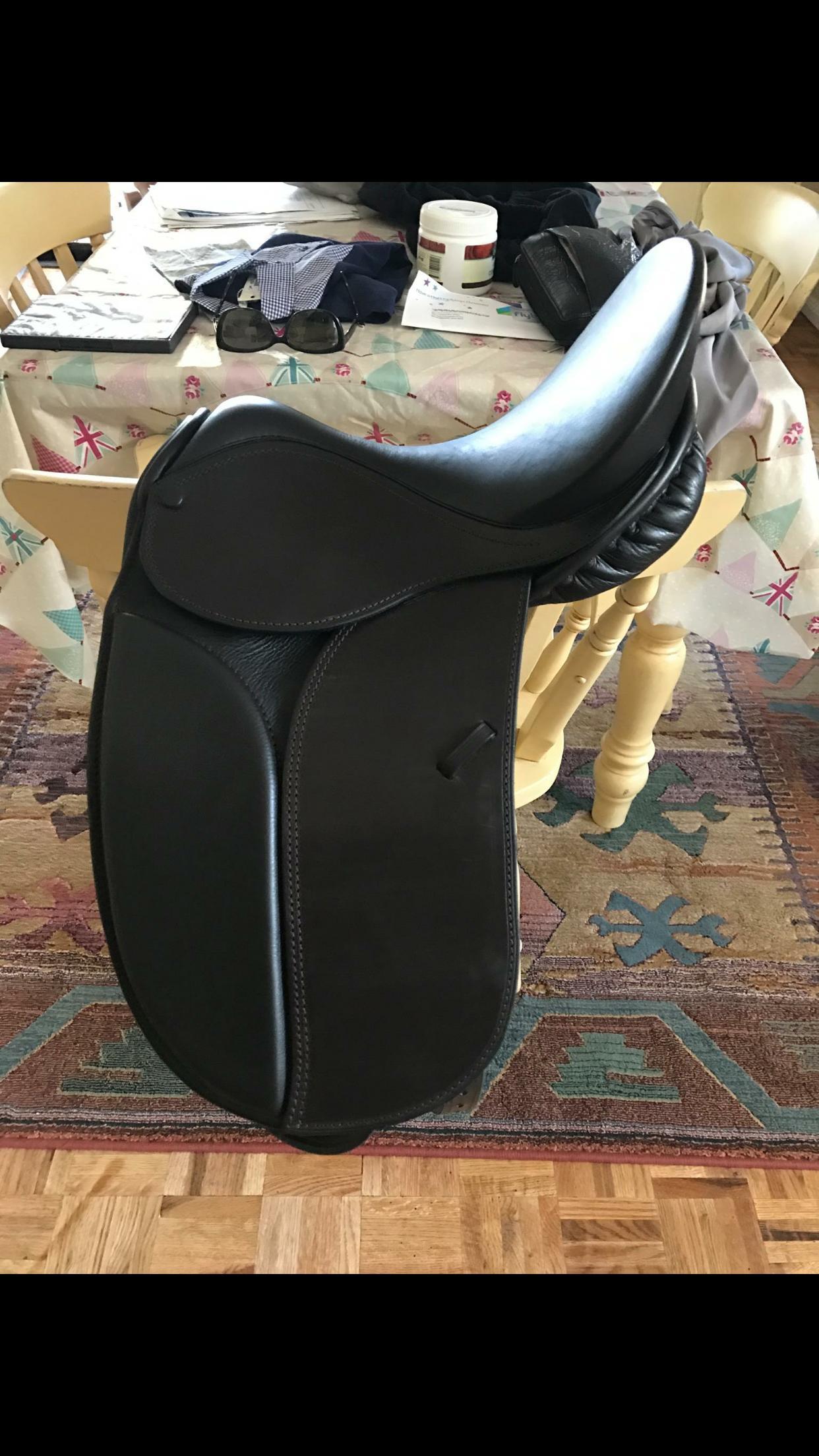 """Ian lancaster 13"""" show saddle under warranty"""