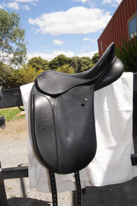 Peter Horobin Classic Dressage Saddle