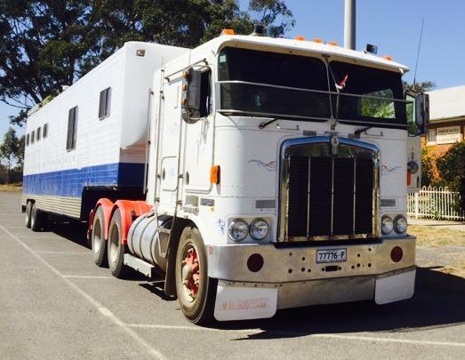 7- horse semi-trailer