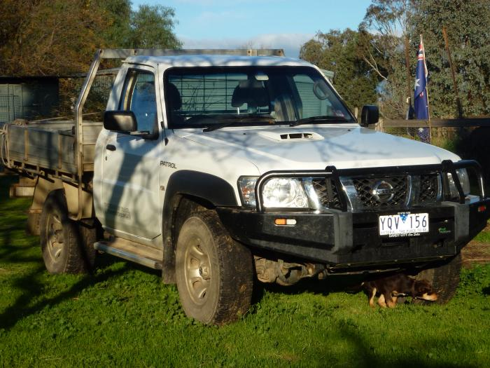 Nissan Patrol Ute with 3inch gooseneck hitch