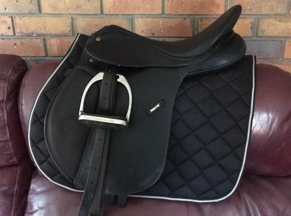 WINTEC 16.5' Mounted Saddle