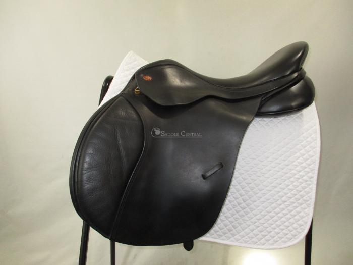"""Kent & Masters 17.5"""" High Wither GP Saddle"""