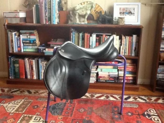 Black Thorowgood T8 GP 17.5 inch Saddle For Sale