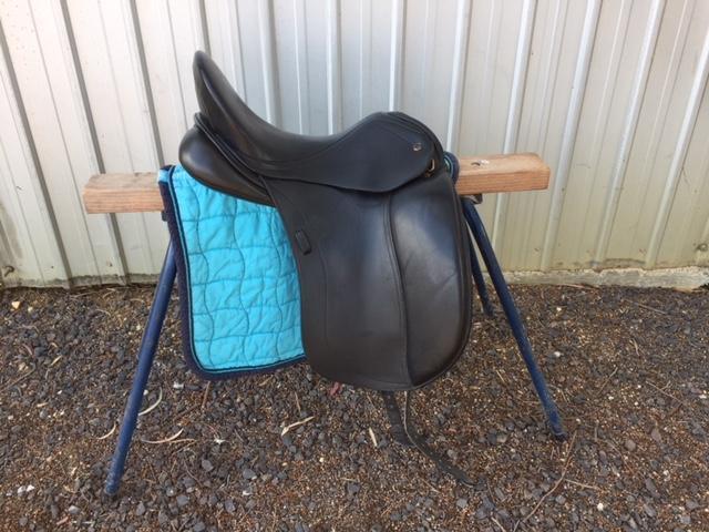 Peter Horobin 17inch dressage saddle