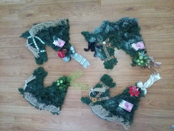 Christmas Horse Wreaths - Handmade