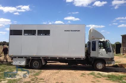 White 1995 Hino Hawk FD3W Four Horse Truck