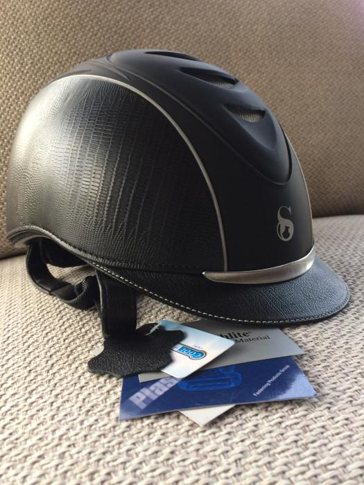 SCHARF  RIDING. HELMET     S/M.  Black.   NEW