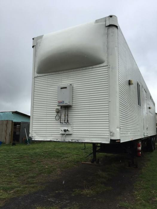 Perfect 8 horse family trailer PRICE NEG