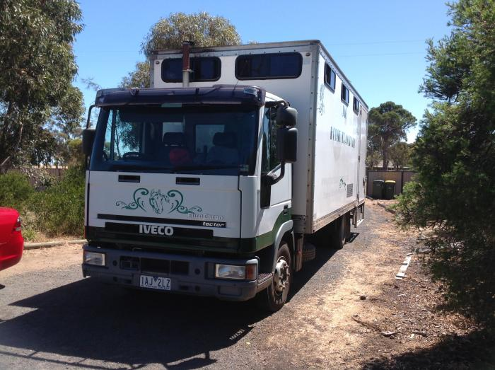 2002 Iveco 5 Horse Truck