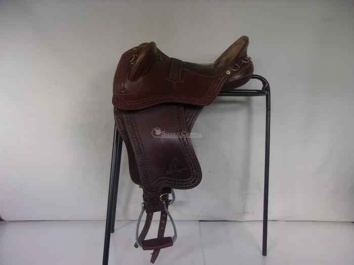 "Syd Hill Swinging Fender 17"" Stock Saddle"