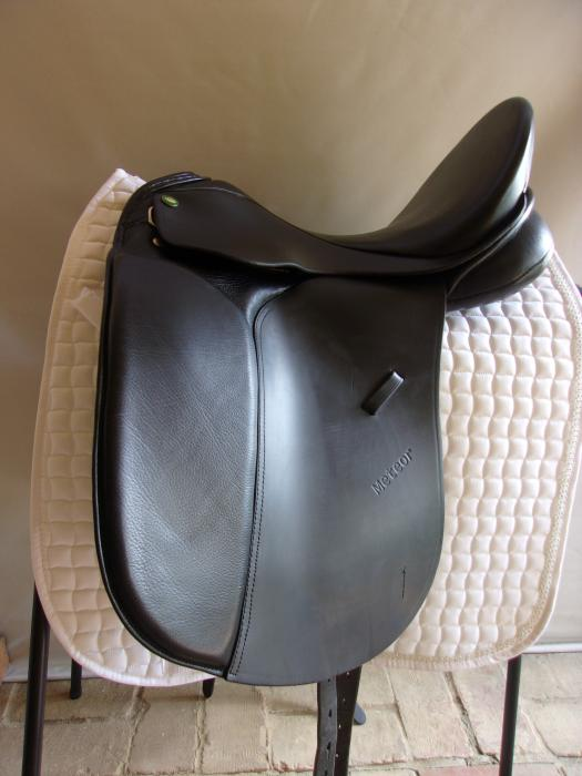 "Theo Sommer Meteor Dressage Saddle 17.5"""