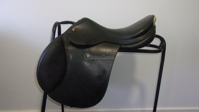 "Prestige 17"" Jump Saddle"