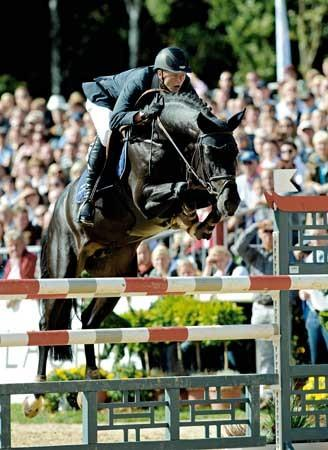 Diarado- on his way to winning the 1st qualifier of the Bundeschampionate 2010
