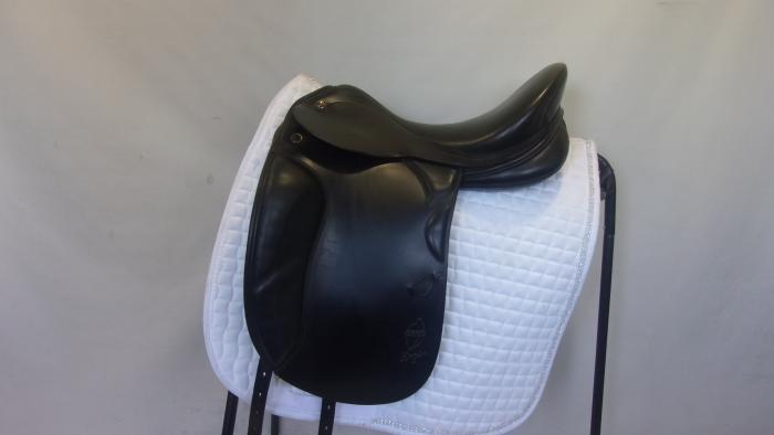 "Prestige Doge 17"" 35 Dressage Saddle"