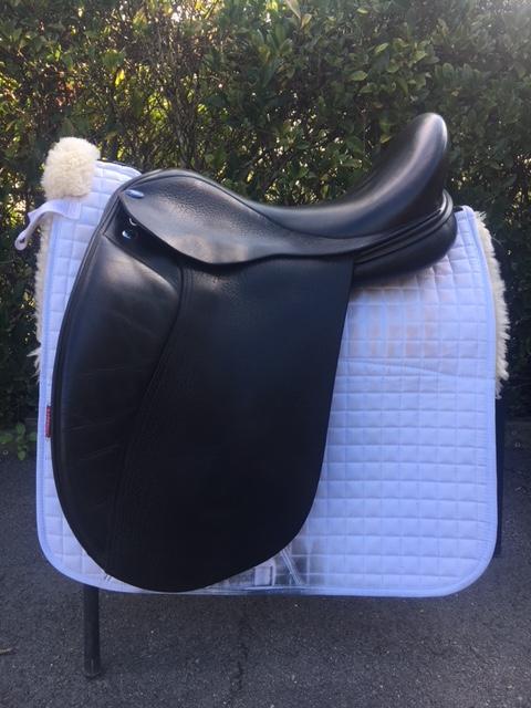 Balance (Frank Baines) dressage saddle