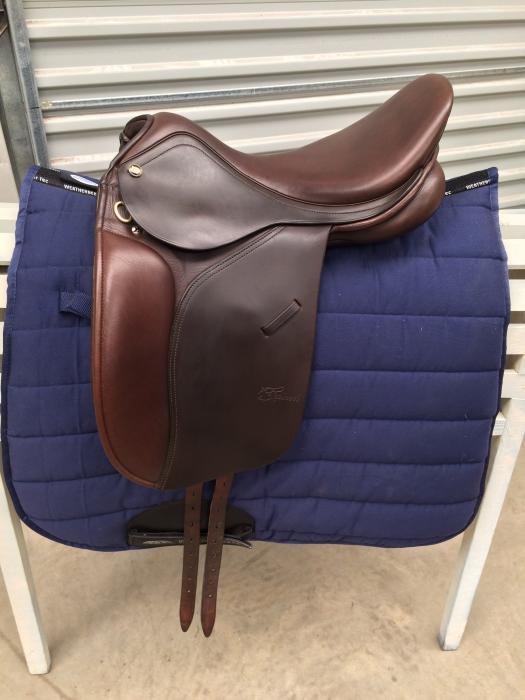 Trainers Master Pony saddle 15 3/4