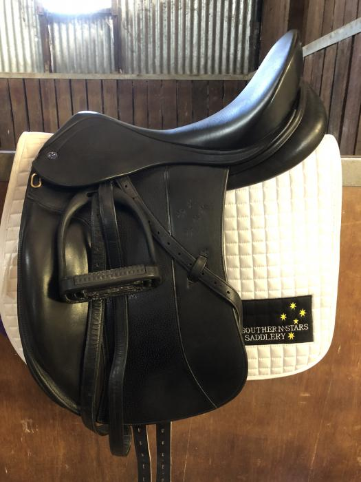 "Southern Stars Dressage Saddle Black 18"" Mounted"