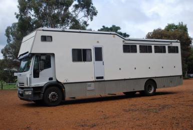 6 horse truck left side