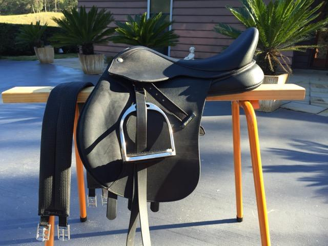 "16"" Wintec Pony AP Saddle with Cair"