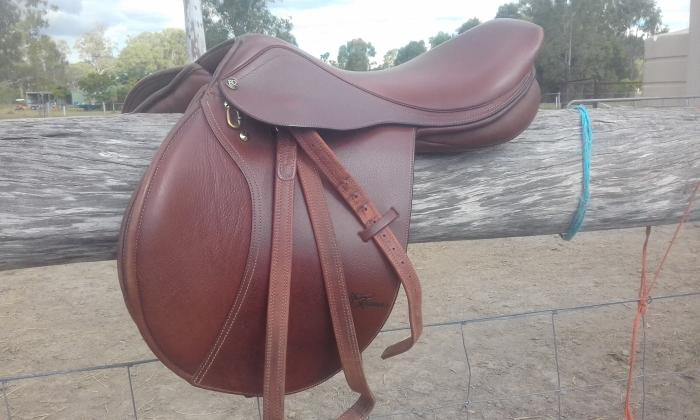 TRAINER'S MASTERS JUMP SADDLE
