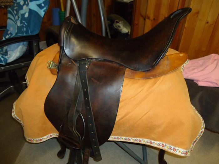 WW1 fixed tree military saddle (sydney)