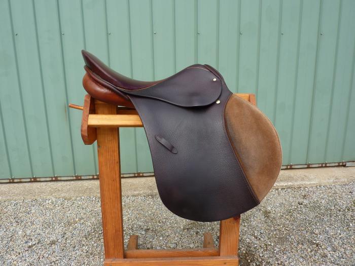 Stubben Siegfried 17 inch AP/Jumping Saddle