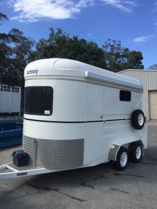 PRICE REDUCED! VICTORY 2SL EXT  - HORSE FLOAT
