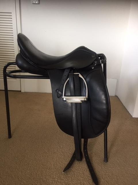 17.5Inch Anky Dressage Saddle