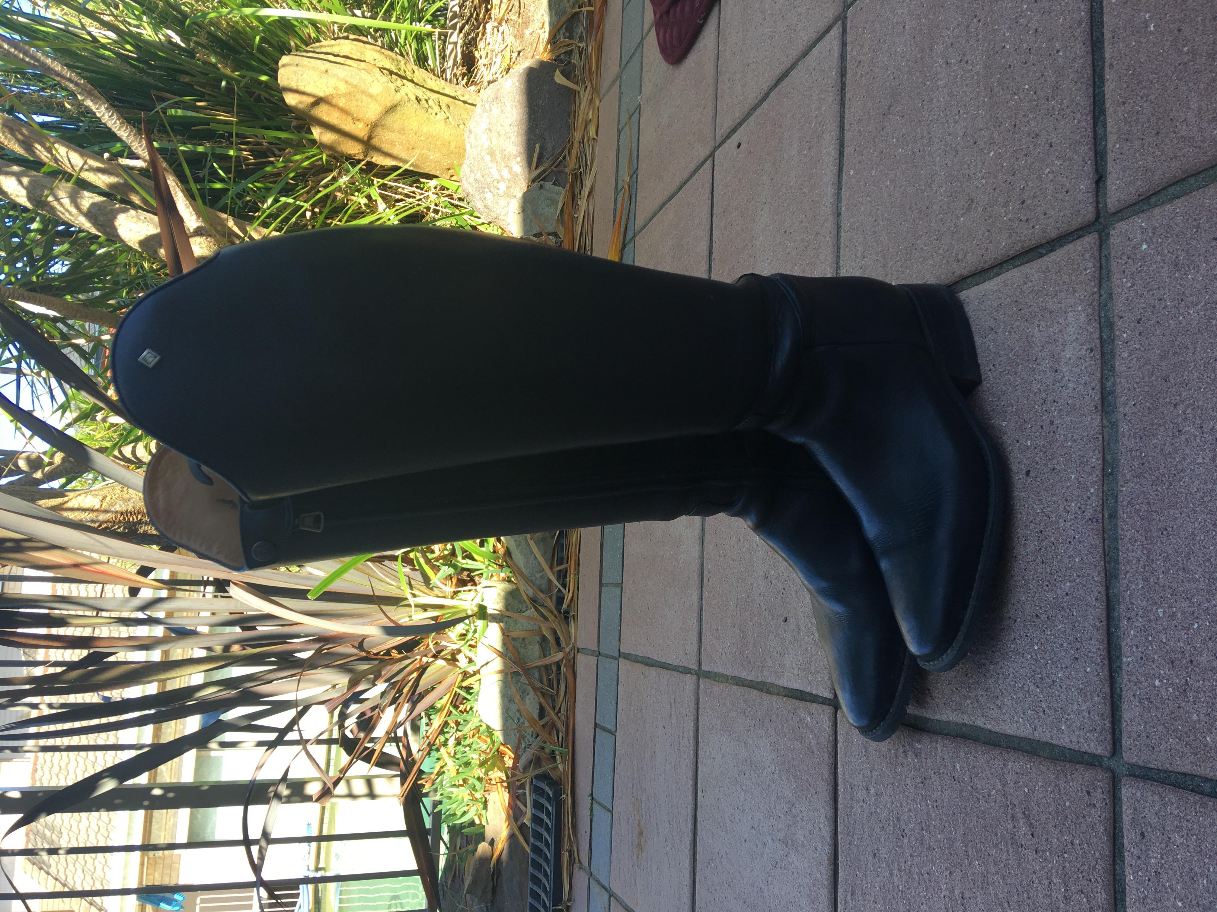 DeNiro black top boots