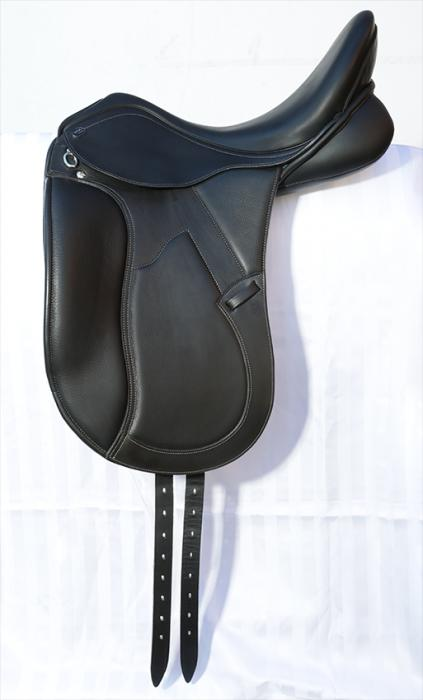 """*AS NEW* Carl Hester PDS Deluxe 17.5"""" Black"""