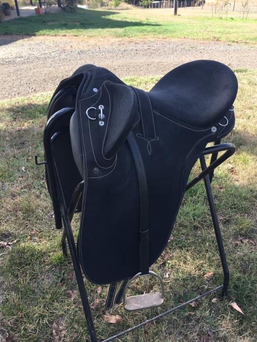 Syd Hill Adjustable Synthetic Stock Saddle
