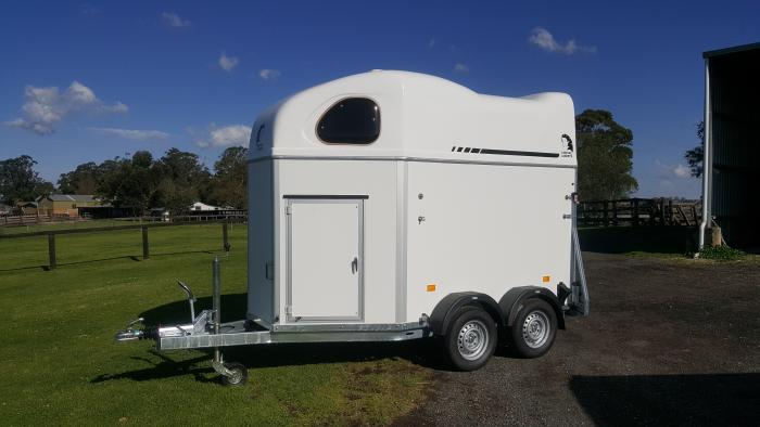 CHEVAL LIBERTE GT FIRST-HORSE FLOAT WITH TACK BOX