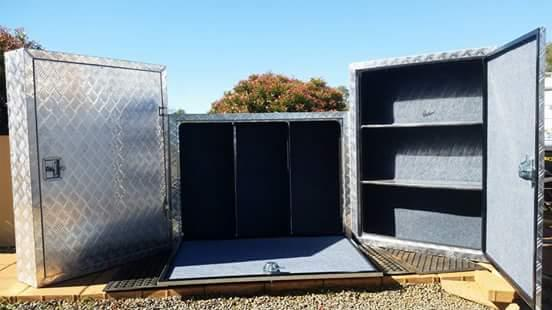 NEW large outside tack box