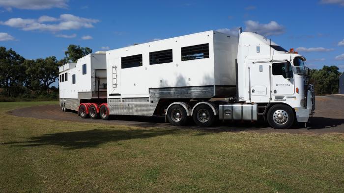A Trailer 10 Horse Capacity
