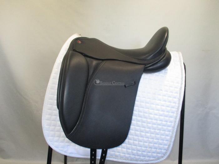 "Lovatts & Ricketts Ellipse 17"" XXW Dressage Saddle"