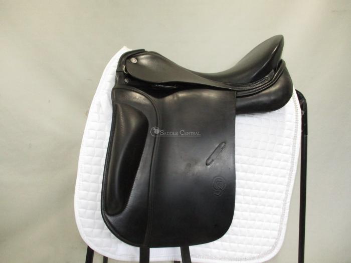Otto Dynamic Shoulder Freedom  Dressage saddle