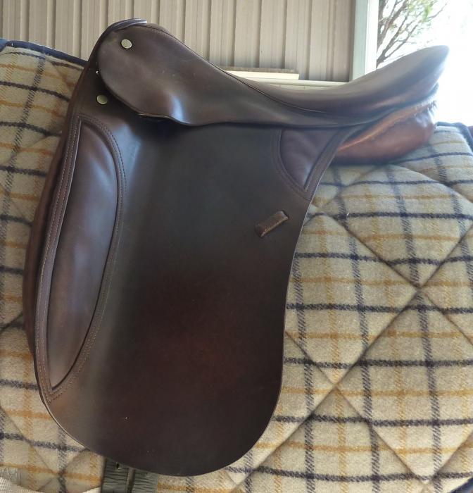 "Bruce Smith All Purpose/Dressage 16"" saddle"