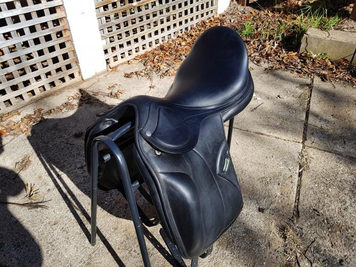 Amerigo dressage saddle 18 ""