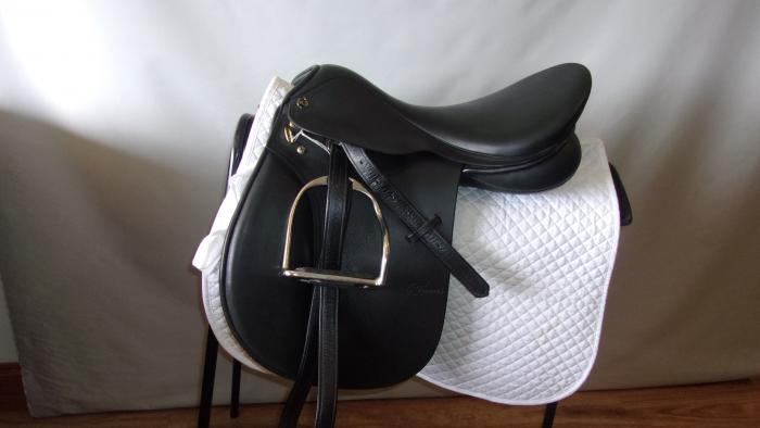 "Trainers All Purpose Saddle 17.5"""