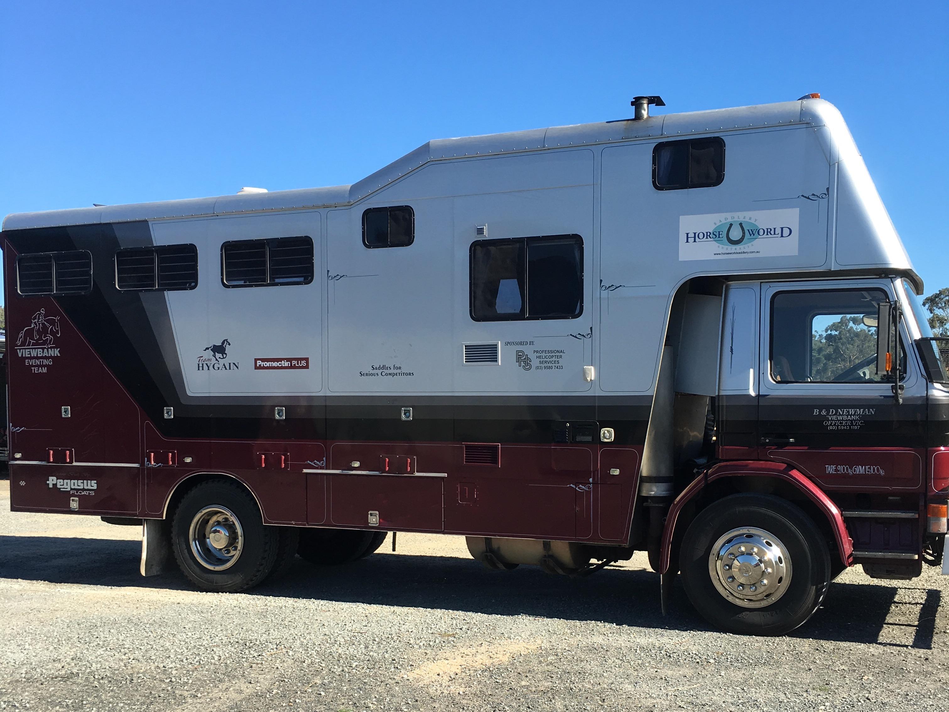 Scania 4 horse truck