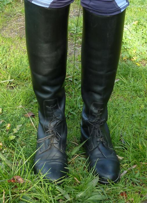 ARIAT BLACK LONG BOOTS SIZE 7B REGULAR CALF