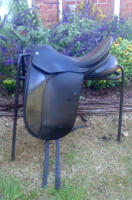 """17"""" Windsor Kensignton Dressage Saddle + Bridle"""