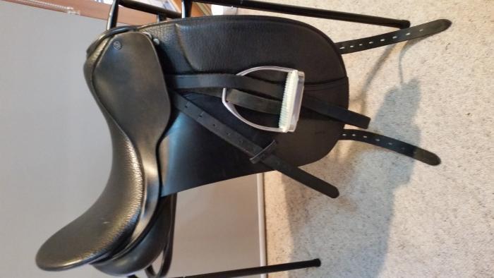 Black County Competitor 17'' dressage saddle